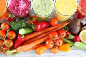 Warzywa, marchewki, soki - jesienna bomba witaminowa